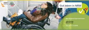 Foto Eine Frau im Rollstuhl wird geschoben - Gut leben in NRW